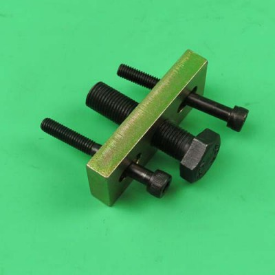 2. Clutch puller Puch Maxi